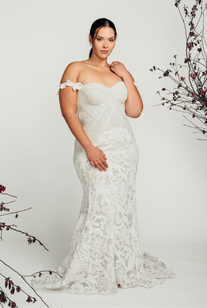 curvy bride bohemian wedding dress