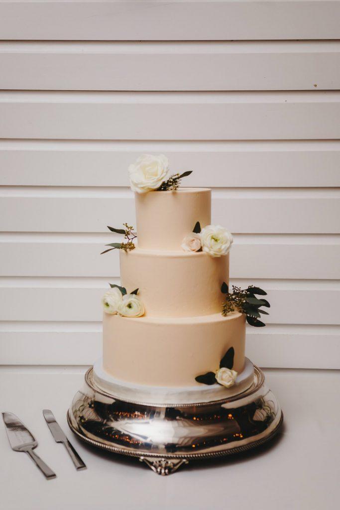 classic minimal wedding